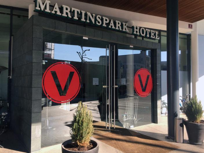 Beschriftung Eingang, Hotel