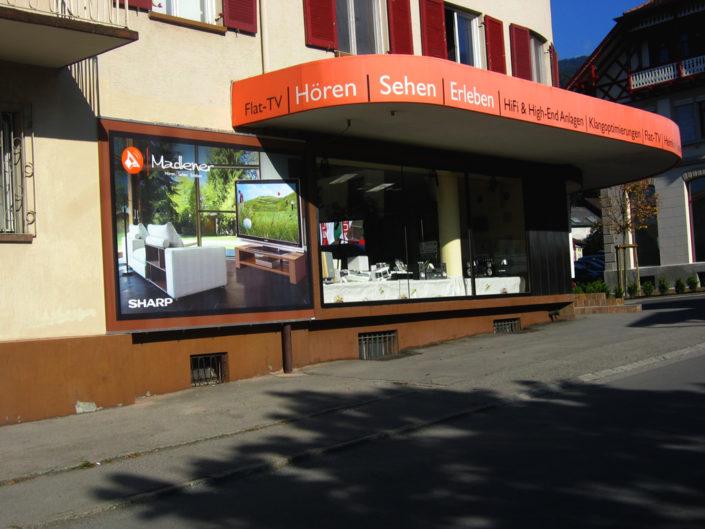 Textilspannrahmen Schaufensterverlängerung Madlener, Götzis